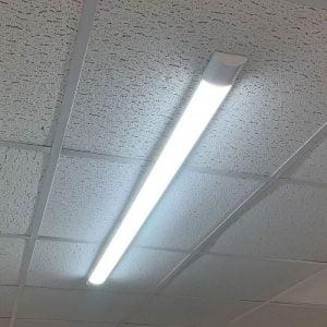 براکت نصب شده روی سقف